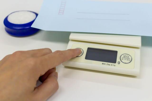 郵便物転送の重量計り