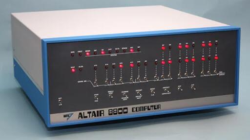1974年にMITS社から発表されたアルテア8800